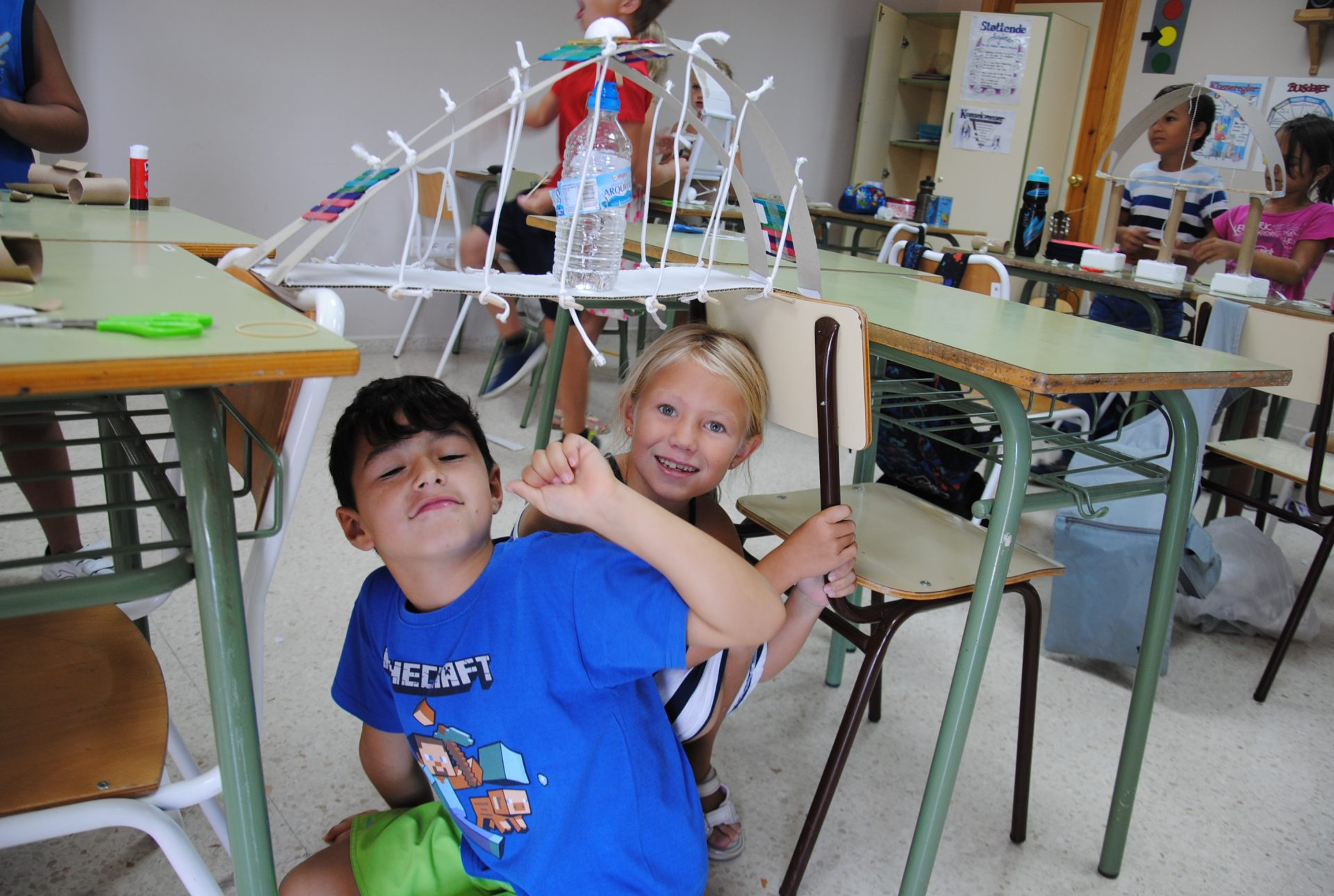 Vi bygger bro!