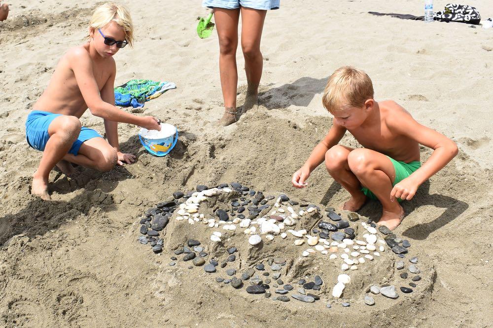 Nye venner i vann og sand
